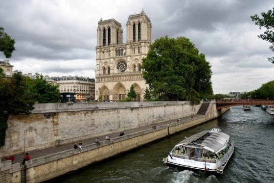 notre-dame-seine-river-paris-cathedral-river-city